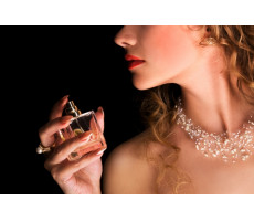Духи в подарок для молодой девушки: советы выбирающему